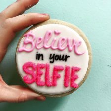 Believe in Your Selfie cookies