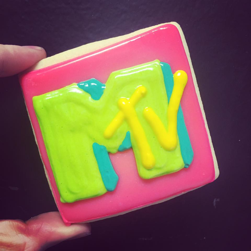 MTV logo cookies