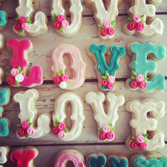 mini L O V E four pack of valentines cookies!
