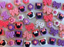 Mini Minnie mouse cookies