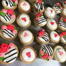 Kate spade theme mini cupcakes