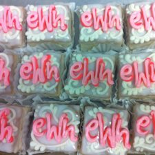 Monogram petit four